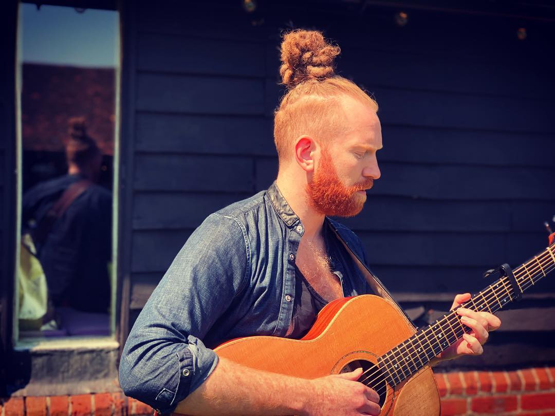 Newton Faulkner gets intimate with a live show at Deaf Institute June 4th