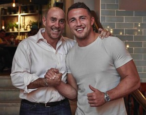 England Rugby Union Squad grab a bite at Banyan bar